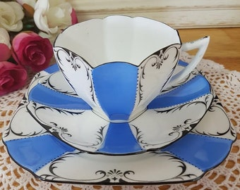 Rare SHELLEY Queen Anne Shape Similar to Garland Pattern Trio Teacup, Saucer, Plate Set. Made in England
