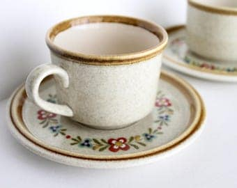 "Vintage mikasa Stone Manor ""Kissing Cousins"" midcentury tea or coffee cups and saucers, Set of 2"