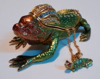Reptile Trinket Box with Necklace