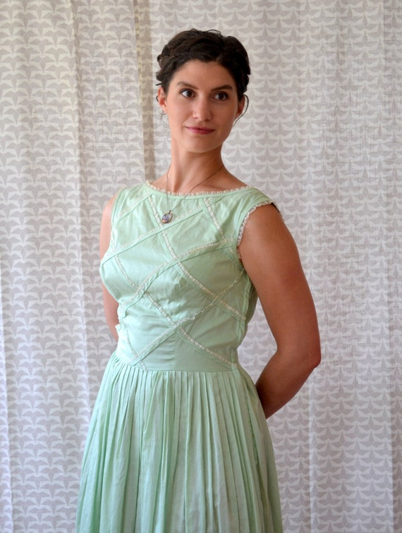 Creme De Menthe Dress | vintage 40's mint green fit and flare | medium