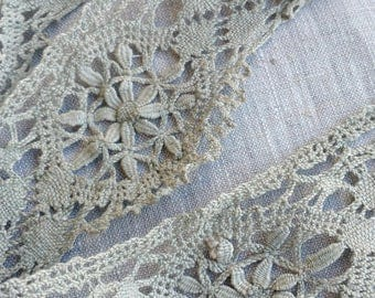 LOT OF 4+ YARDS Beautiful Antique Bobbin Lace in Unusual Celadon Color, Antique Lace, Handmade Lace, Bobbin, Textile, Lacework