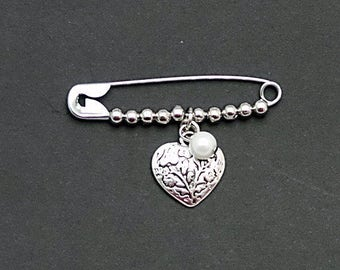 Safety pin Jewelry//Safety Pin Brooch//Solidarity Heart Pin//Solidarity Safety pin//Silver Heart pin//Safe with Me//Beaded Safety Pin//