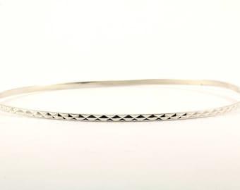 Vintage Ladies Diamond Cut Bangle Bracelet 925 Sterling Silver BR 1342-E