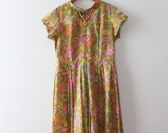 vintage 1960s paisley dress // 60s colorful paisley day dress