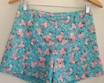 Size 8 to 10 blue floral shorts