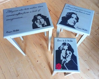 Nest of tables, tribute to Oscar Wilde
