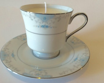 Blue floral tea cup candle set, vintage tea cup set, white tea and berries soy candle, scented soy candle, tea cup and saucer set