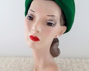Vintage 1940's Halo Beret | Vintage Halo Hat | Vintage Beret | Vintage 1940's Turban Hat | Green 1940's Hat |