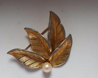 1940s Pearl & Leaves Brooch