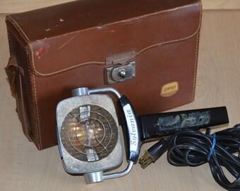 Sylvania Sun Gun w/ vintage Ampro case / bag
