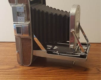 Vintage (c. 1948 - 1953) Polaroid Land Camera Model 95