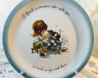 """Gigi Collector's Edition Plate """"A Friend Is Someone Who Needs You As Much As You Need Them"""""""