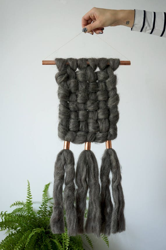 Middle chunky wall hanging with copper details