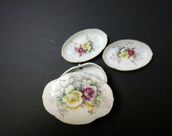 Original Arnart Creation Japan . 1950s 4 piece set . 2 small dish and 1 trinket footed dish with lid . made in Japan