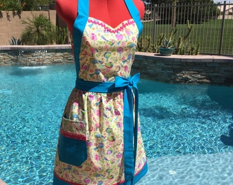 Tweet Me Bird Sassy Apron, Retro Style with Towel Loop and Gathered Waist, Kitchen Apron, Misses and Plus Sizes, Michael Miller Tweet Me