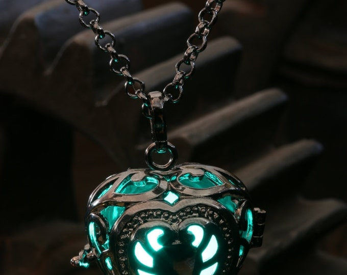 Heart Pendant Heart Jewellery Glowing Nekclace - Glowing Teal Heart- Lovely Valentine Gift for Her - LED jewelry - Black