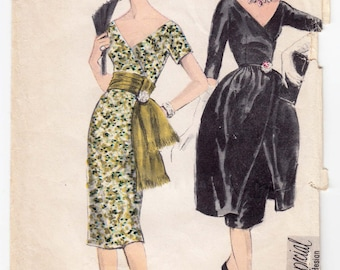 """ORIGINAL Vintage Sewing Pattern 1960's Ladies Dress Vogue 4965 Special Design Size 34"""" Bust - Free Pattern Grading E-book Included"""