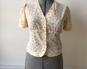 1970s Vintage Floral Baby Doll Blouse Woven Knit Ties in Back Puffy Short Sleeves Off White Pink Blue Size Medium Size Large