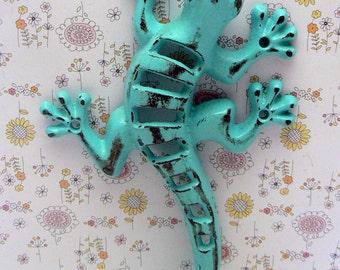 Lizard Gecko Cast Iron Wall Hook Boho Shabby Chic Turquoise Stylish Fence Art