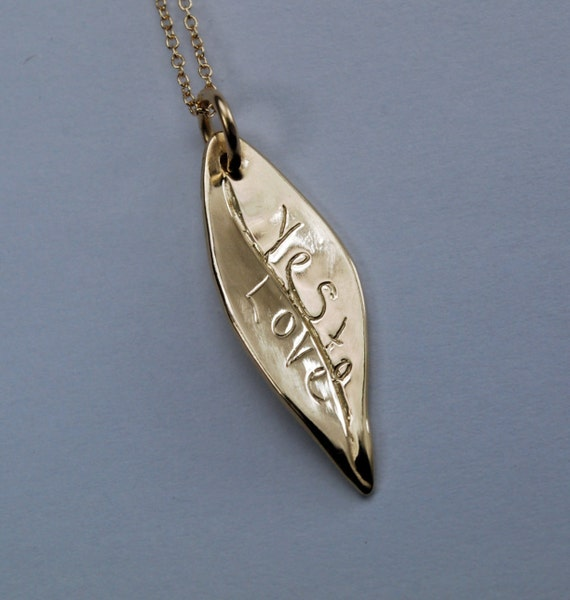 YES TO LOVE-gold leaf necklace