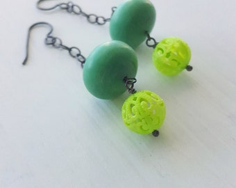 greenery - earrings - vintage lucite and sterling