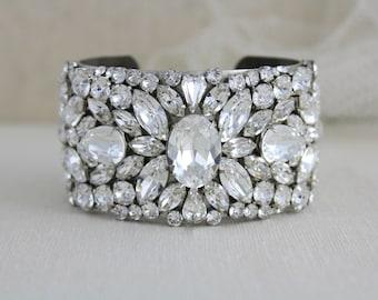 Swarovski Bridal bracelet, Wedding jewelry, Wedding bracelet, Statement bracelet, Crystal bracelet, Cuff bracelet, Vintage style bracelet