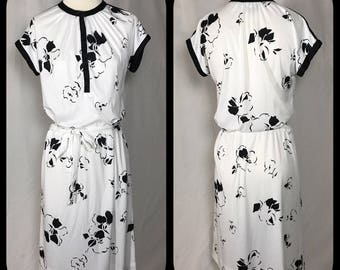 1960s Black and White Flower Print Dress by Umba for Parnes Feinstein - Size Small Medium