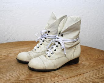 80s 90s cream leather boots. white ankle boots. lace up boots. granny booties - eur 38, us 7.5, uk 5