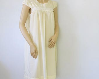 Vintage Nightgown Pastel Pale Yellow Yoked Juliette Sleeve Cotton Nightwear Short Size Small