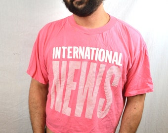Vintage International News Pink Puffy 80s 1980s Cropped Tee Tshirt