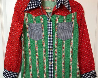Vintage awesome 1970s Seersucker button up Blouse Shirt - patchwork Hippie - spring summer fashion - by Fritzi