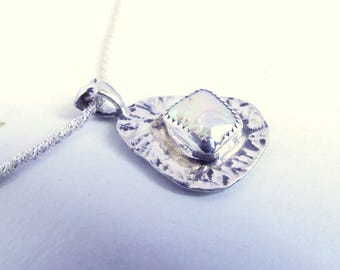 Diamond-Shaped Pearl In Sterling Silver Asymmetrical Hammered Setting Necklace