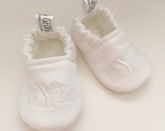 Monogrammed White Gender Neutral Crib Shoes/Baby Slippers 511958327 2.13
