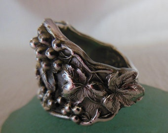Grapes  Spoon Ring  Antique Sterling Silver  Size 8.5