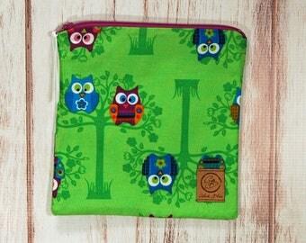 Reusable Sandwich Bag - Sandwich Bag - Zipper Pouch - Zipper Bag - Owls on Green