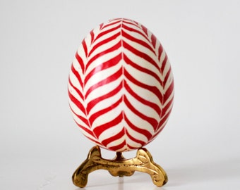 Christmas egg ornament candy cane red and white pysanka Ukrainian Easter egg chicken egg shell hand painted holidays home accessories