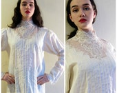 Vintage 1970s Neo-Edwardian Blouse with Lace / 70s Romantic Shirt with Back Button Closure / Large