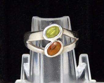 Modernist Sterling Silver Ring - Citrine Green & Topaz Golden Brown Gemstones - Split Shank Reto Design - 1980s 1990s Gemstone Ring
