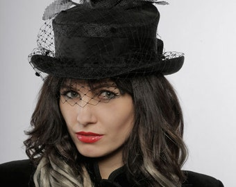 Black hat with bird and veil - large gothic top hat