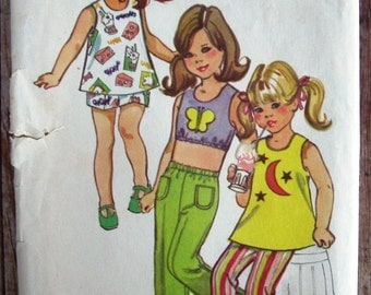 Vintage 1970s Little Girls Pants in Two Lengths, Sleeveless Tunic and Top Size 4 Simplicity Pattern 9388 UNCUT