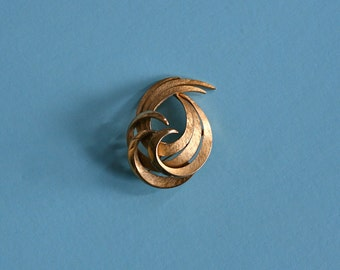 50s brooch / vintage gold pin / 1950s jewelry