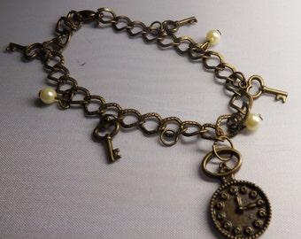Steampunk Clock Bracelet, clock charm, Steampunk bracelet, charm bracelet, valentine day, women bracelet, valentine gift