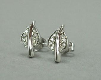 14k Gold Leaf Stud Earrings, Diamond Stud Earrings, White Gold Diamond Leaf Stud Earrings, Bridal Floral Diamond Earrings