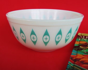 Rare Pyrex Promotional Bowl 403 Turquoise And White HC-9 Eyes Hot 'N' Cold Chip And Dip 2.5 Qt.  1960-1979 Hard To Find Christmas Present
