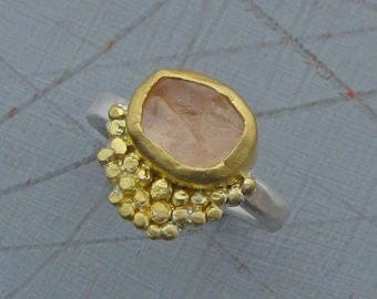 Rough Rose Quartz Ring - 22k gold Rose Quartz Ring - Engagement Ring - Gold & Silver Ring