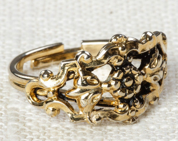 Gold Floral Vintage Ring Adjustable Womens Size Simple 16R