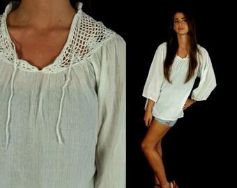 vtg 70s white CUT OUT crochet Tunic TOP Medium/Large boho hippie peasant gauzy festival neck tie bohemian blouse