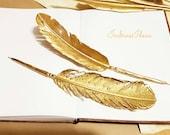GOLD Feather pen, glitter wedding pen, glitter feather, sparkle Gold Feather, Ball point pen gold Guest book pen glitter wedding invitation