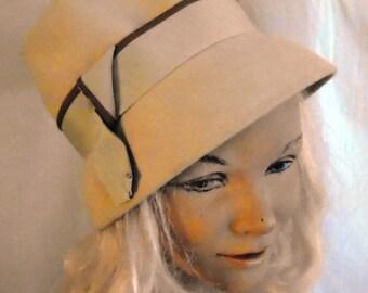 Vintage 1960s Hat Cream Felt Tall Cloche Hat Doris Day