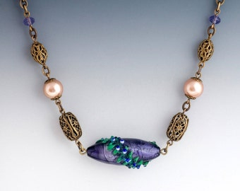 Plum Purple Lampwork Necklace, Purple Glass Jewelry, Purple Murano Glass Necklace Hypoallergenic, Bead Jewelry Purple Bead Necklace, Garbine